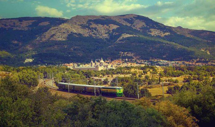 la-comunidad-de-madrid-propone-tres-rutas-en-trenes-historicos-para-conocer-su-patrimonio