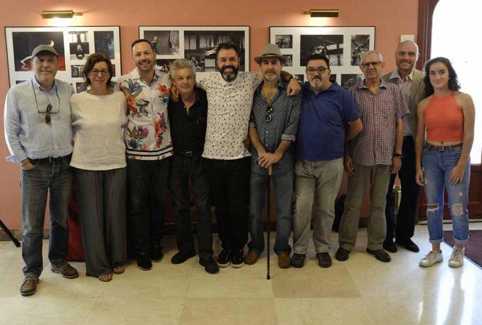 hasta-el-5-de-enero-paso-a-dos-muestra-la-colaboracion-del-club-de-fotografia-y-la-compania-de-danza-residente-losdedae